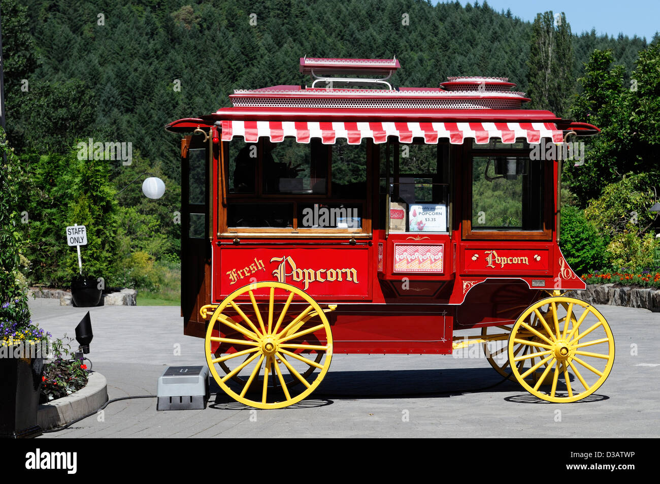 wild west wagon style styled popcorn convenience fast food