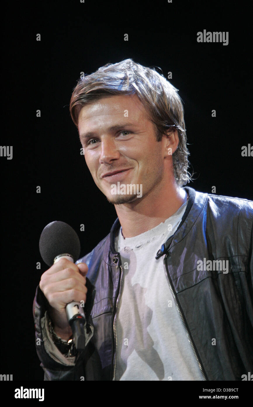 (dpa) - David Beckham appears on stage during the Live 8 Concert in London, England, 02 July 2005. - Stock Image