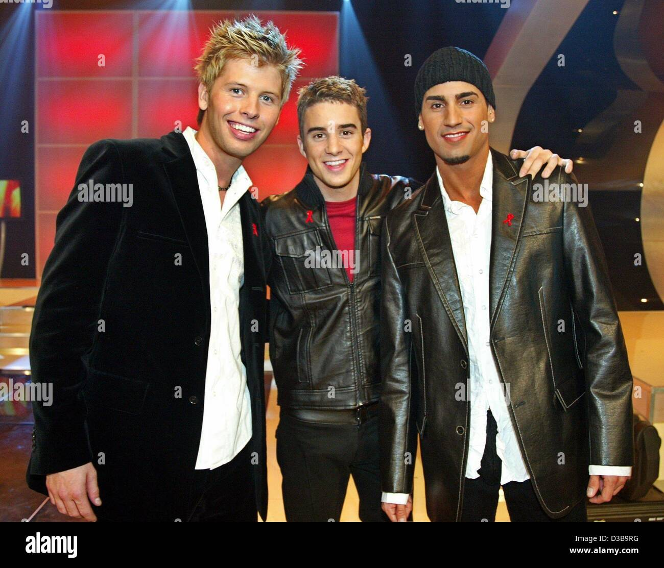 (dpa) - The members of the boygroup B3 pose during a dress rehearsal of the Aids gala 'Stars 2002' in Berlin, - Stock Image