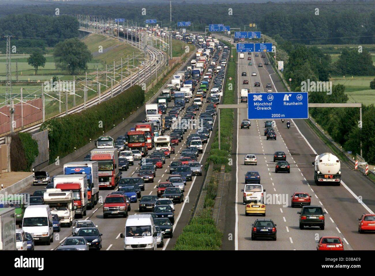dpa files) - A 20 km long traffic jam was caused by an accident on