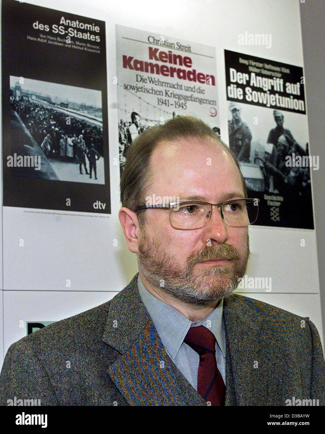 (dpa) - Jan Philipp Reemtsma, initiator of the exhibition on crimes of the Wehrmacht, pictured in front of posters - Stock Image
