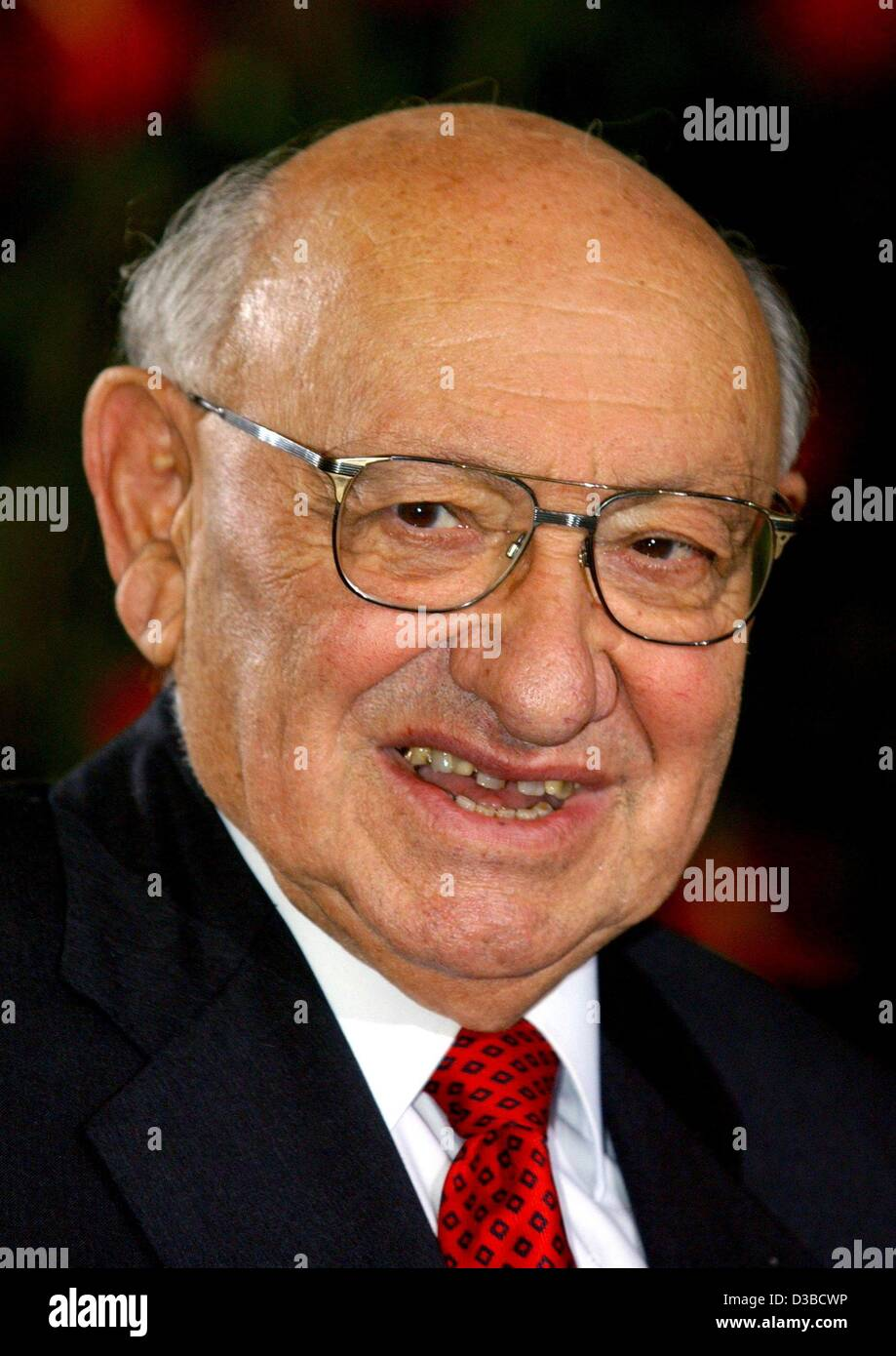 (dpa) - Marcel Reich-Ranicki, German author and literary critic, pictured in Frankfurt, 6 October 2002. - Stock Image