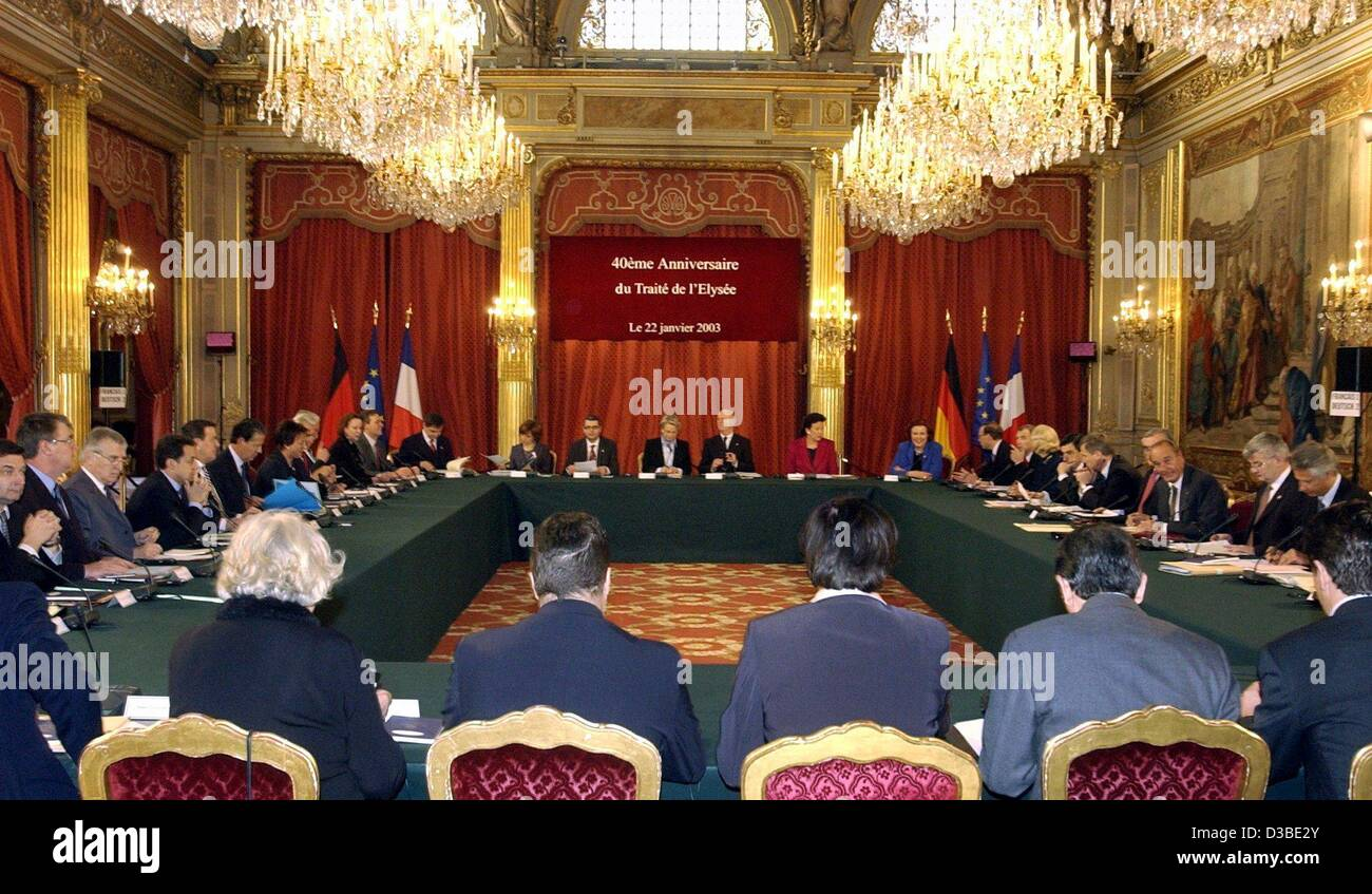 (dpa) - The members of the cabinets of France and Germany hold a meeting in the Elysee Palace, Paris, 22 January - Stock Image