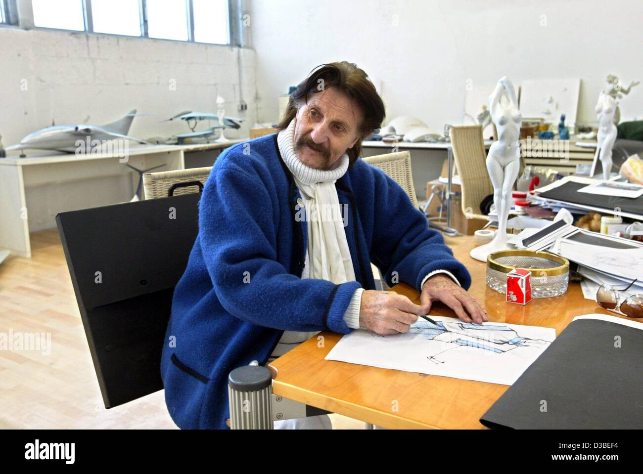 dpa industrial designer luigi colani is drawing in his workshop stock photo 53727944 alamy. Black Bedroom Furniture Sets. Home Design Ideas