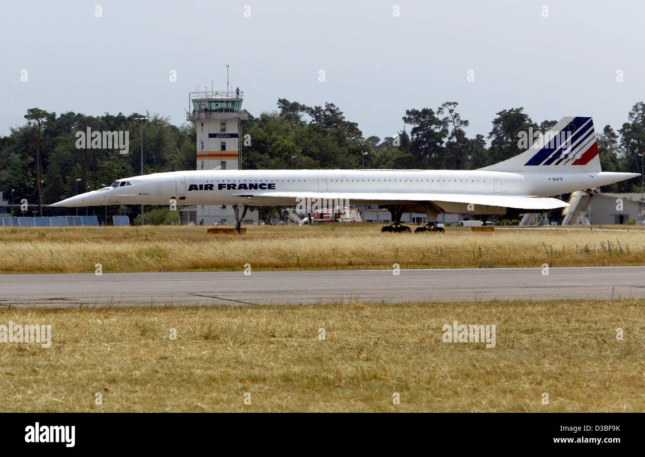 (dpa) - The last flight of an Air France Concorde supersonic airplane ends at the Karlsruhe-Baden-Baden airport - Stock Image