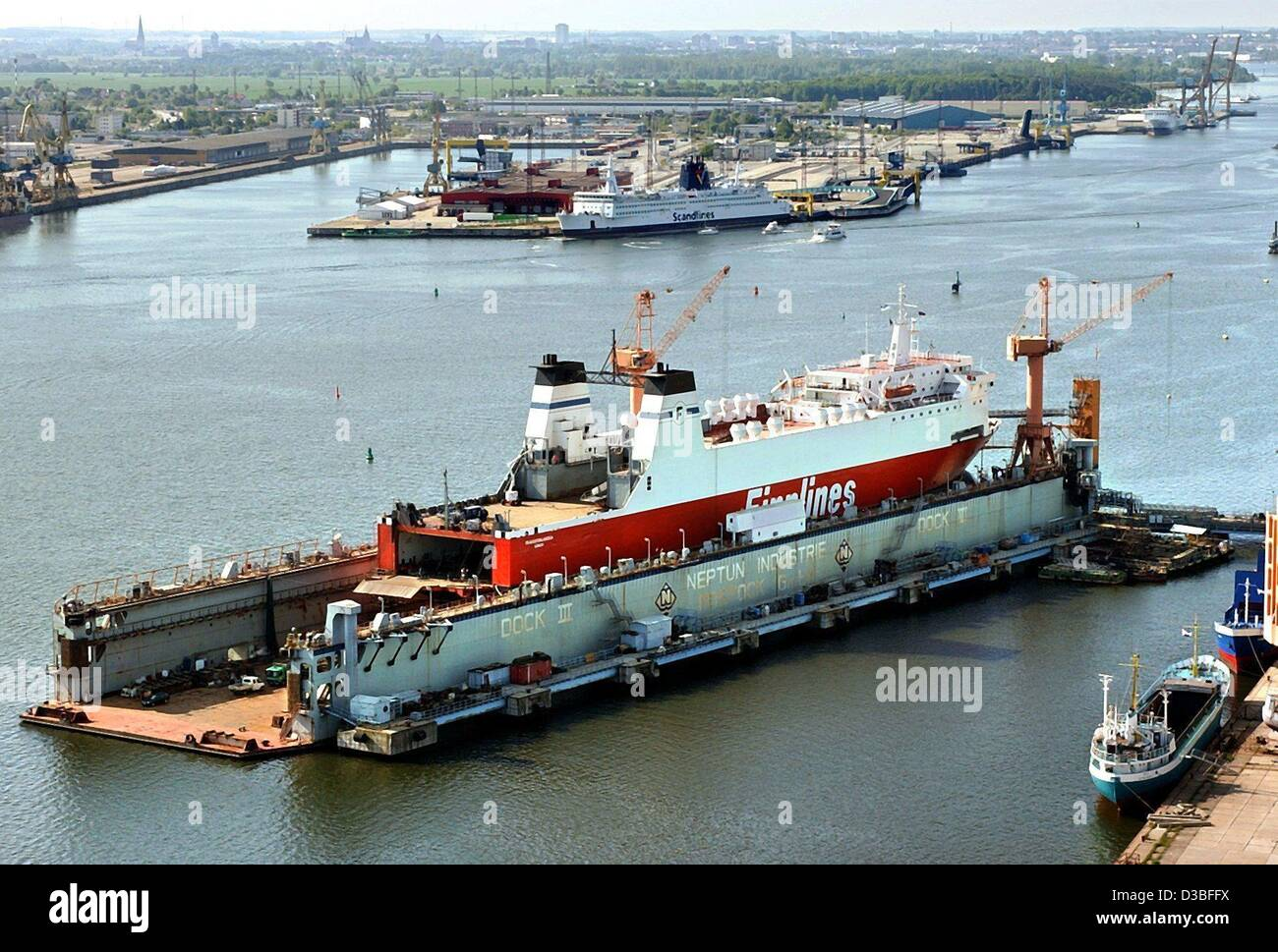 (dpa) - The freight ship Transfinnlandia of the 'Finnlines' lies for maintenance in the swimming dockyard - Stock Image
