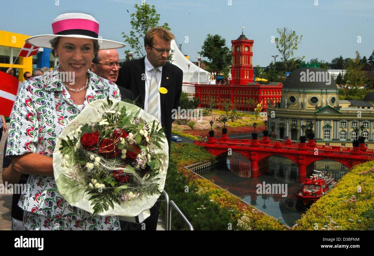 (dpa) - Danish princess Benedikte (front, L) and the managing business director of the Legoland park, Stig Blicher - Stock Image