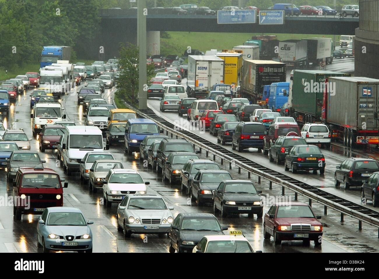 stuck in traffic stock photos stuck in traffic stock images alamy. Black Bedroom Furniture Sets. Home Design Ideas