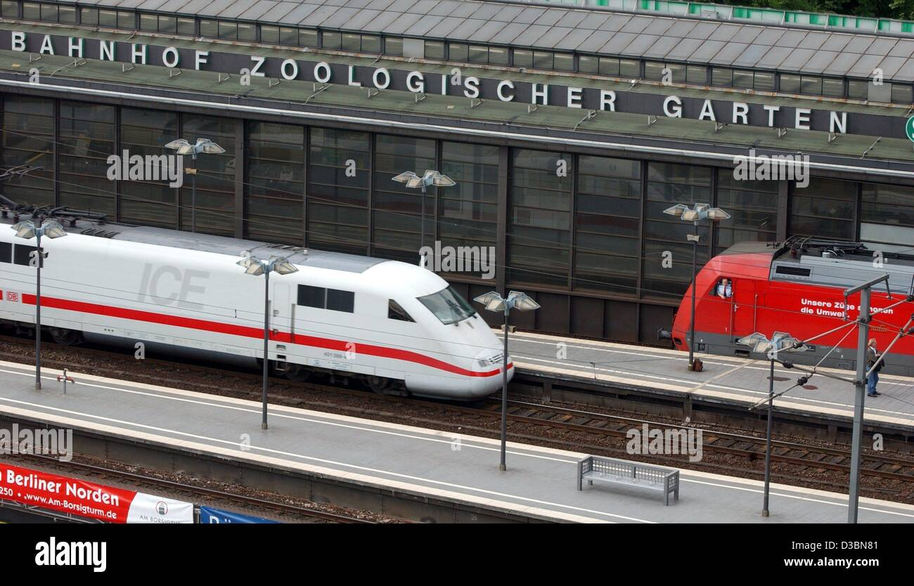 Train In Zoo Stock Photos & Train In Zoo Stock Images - Alamy