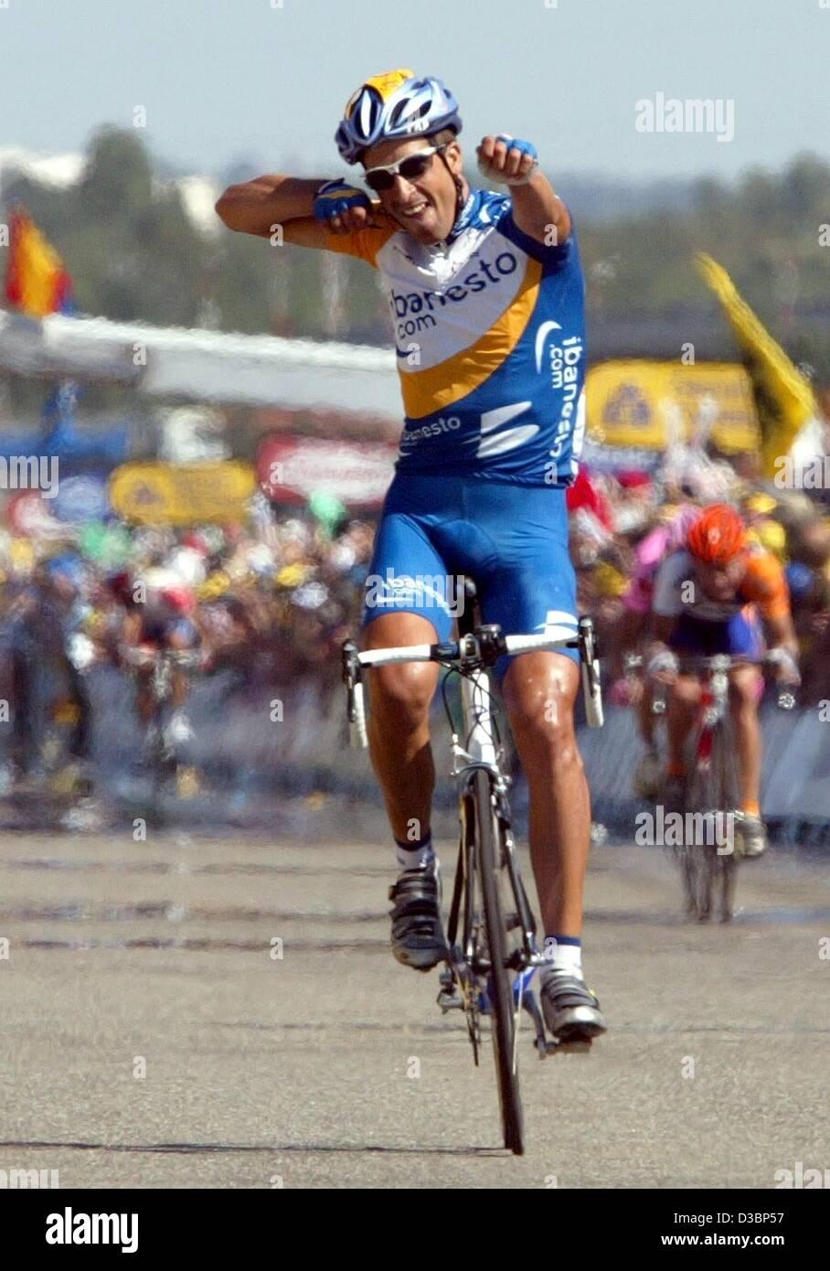 (dpa) - Spanish cyclist Juan Antonio Flecha (Team iBanesto) cheers after winning the 11th leg of the Tour de France Stock Photo