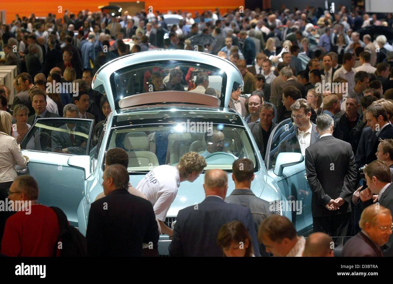 Audi Cars Audi Stand Auto Stock Photos Amp Audi Cars Audi