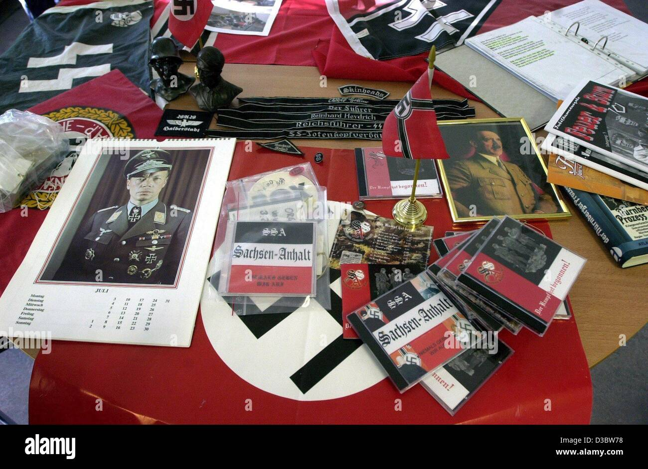 (dpa) - Right extremist propaganda material was confiscated by police in Halberstadt, eastern Germany, 3 September - Stock Image