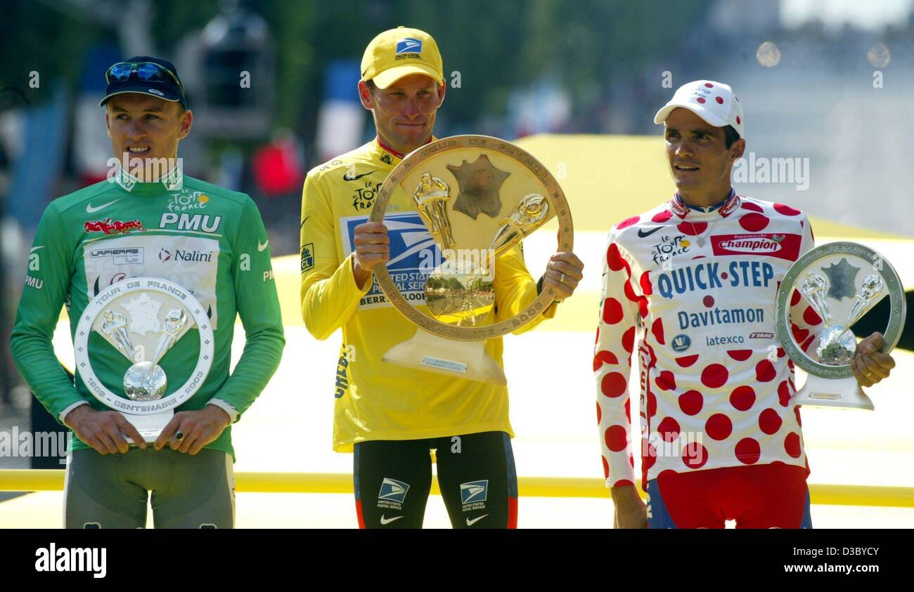 (dpa) -  Victorious US Postal-Berry Floor's Lance Armstrong (C) from the US wears the yellow jersey of the overall Stock Photo