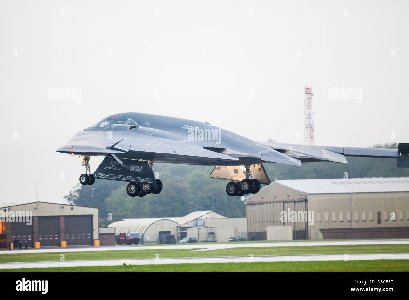 B2 Bomber on Approach at RAF Fairford - Stock Image