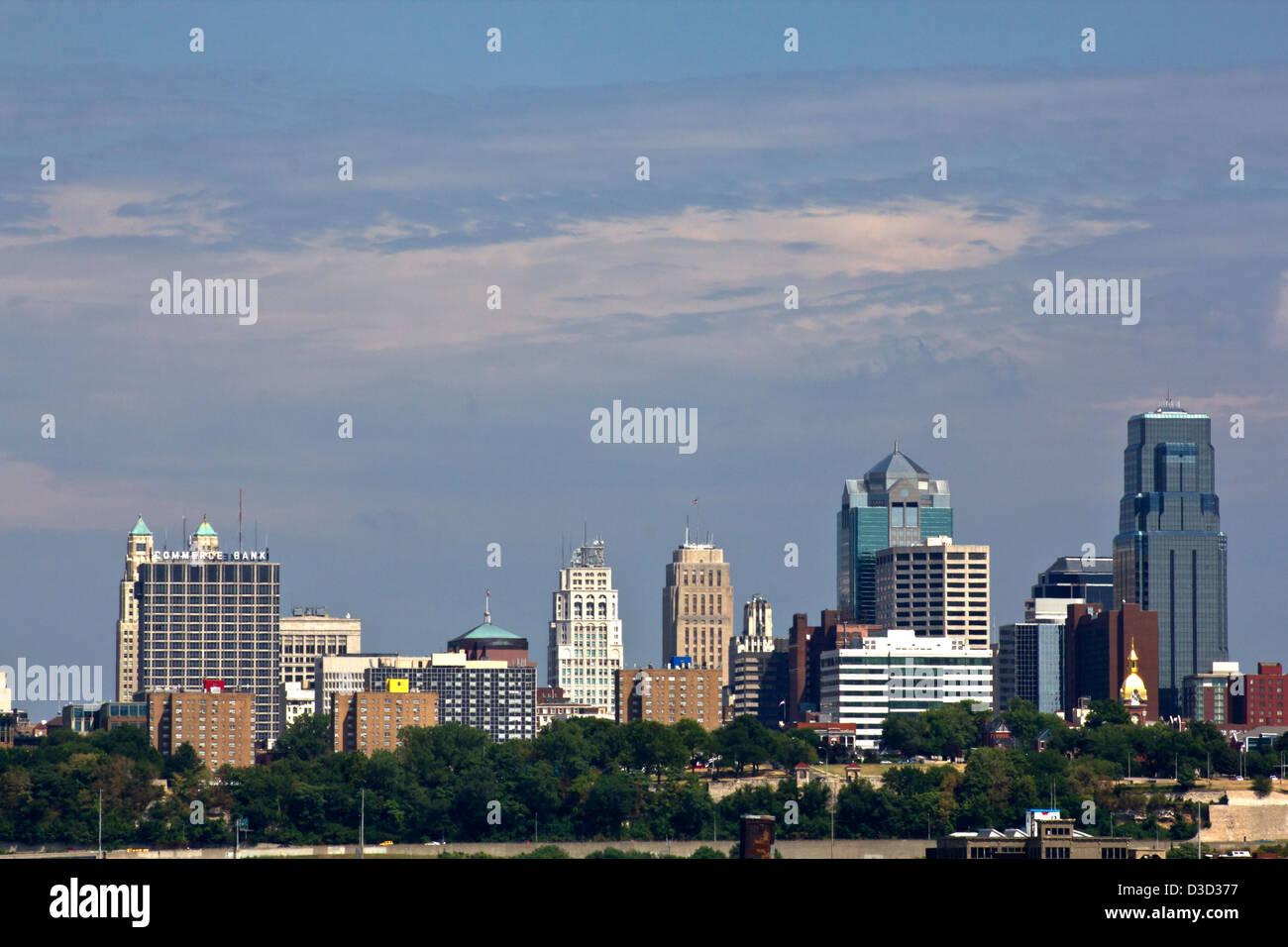 Kansas City MO USA looking eastward Stock Photo: 53763003