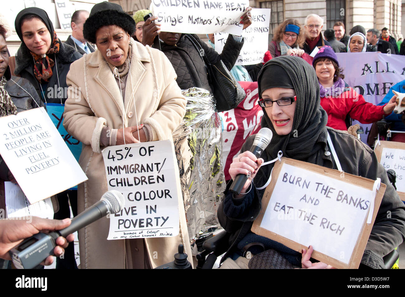 London UK. 16th February 2013.  A protest organised by Fuel Poverty Action outside the Department of Energy and - Stock Image