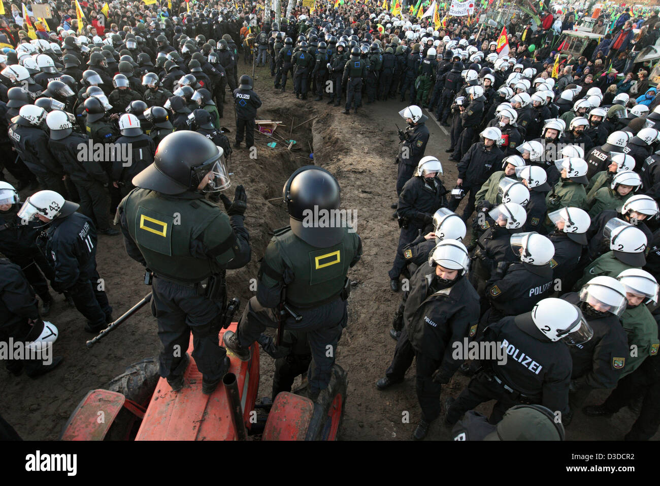 Splietau, Germany, police secures undermined road on the edge of the anti-nuclear waste protest - Stock Image