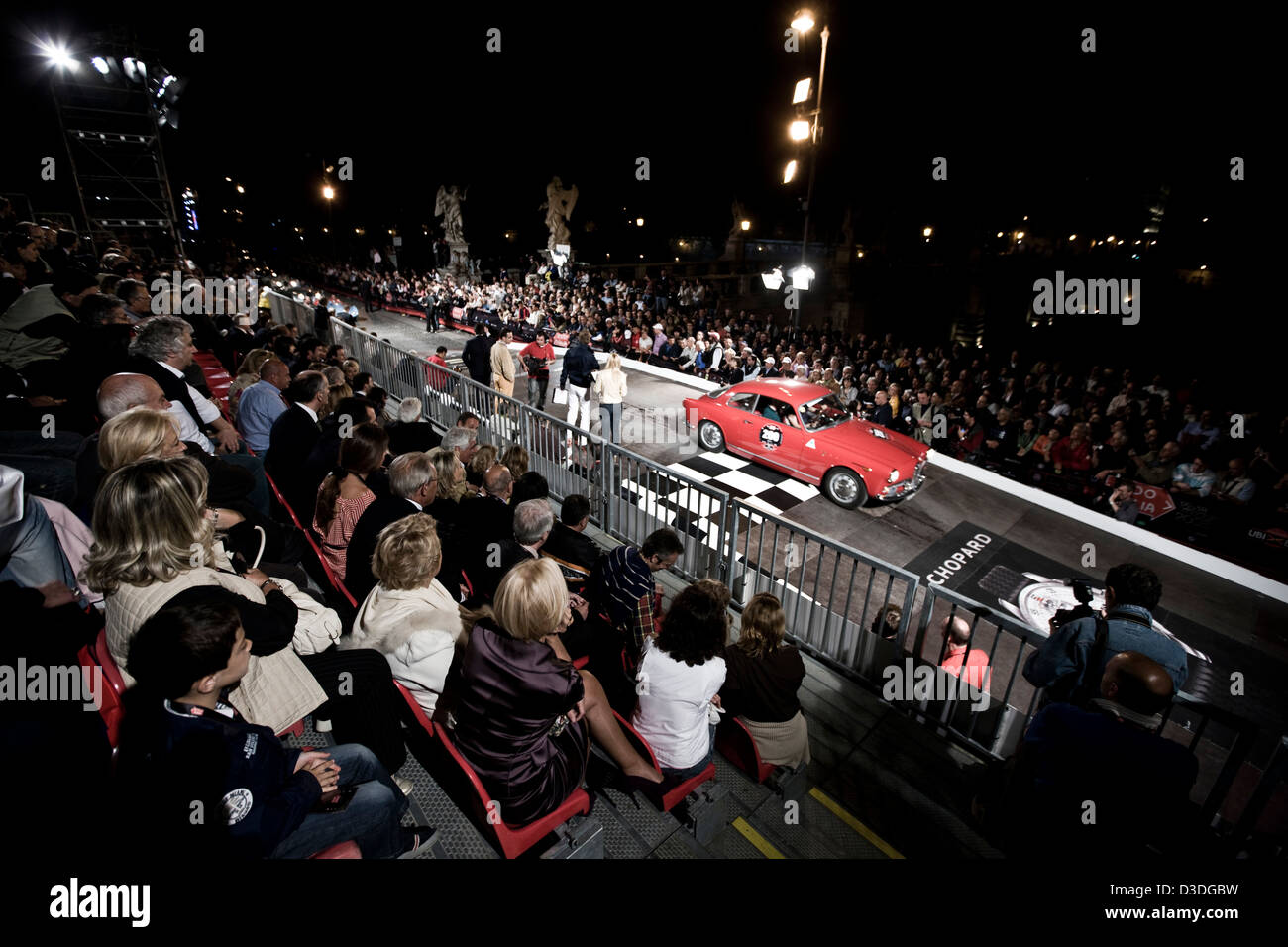 Spectators at Mille Miglia car race, Italy, 2008 - Stock Image