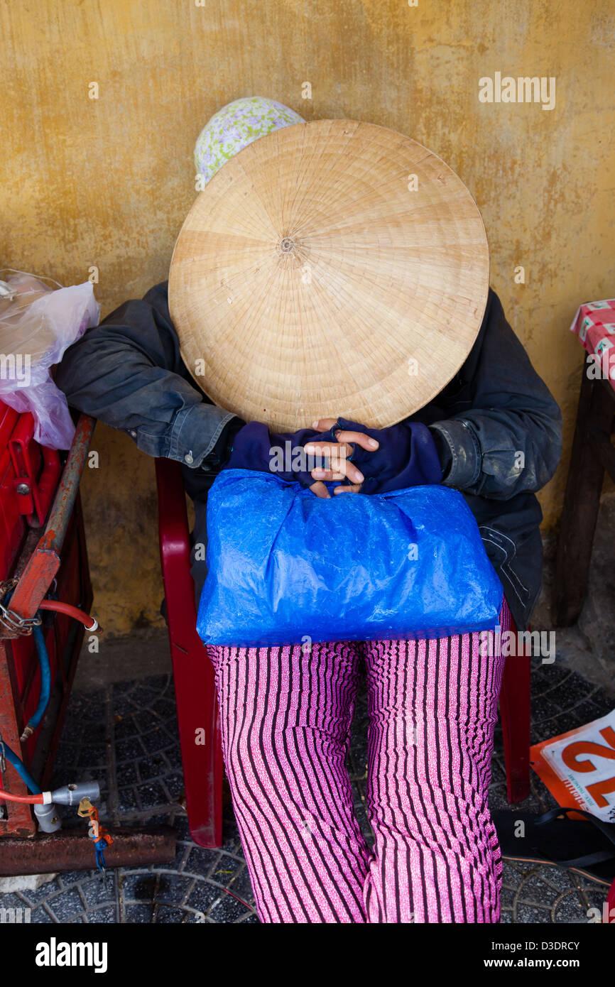 batuhijau sumbawa asian singles Lokasi antara tanjung badas-tanjung pengamas (goa) desa karang dima, kecamatan labuhan badas sumbawa  ntb indonesia tano pengamas - teluk sumbawa.