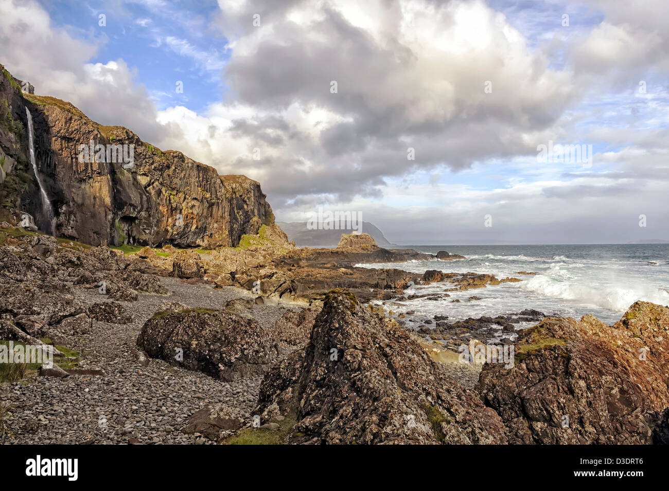 rugged basalt cliffs & stormy sky, mull, scotland - Stock Image