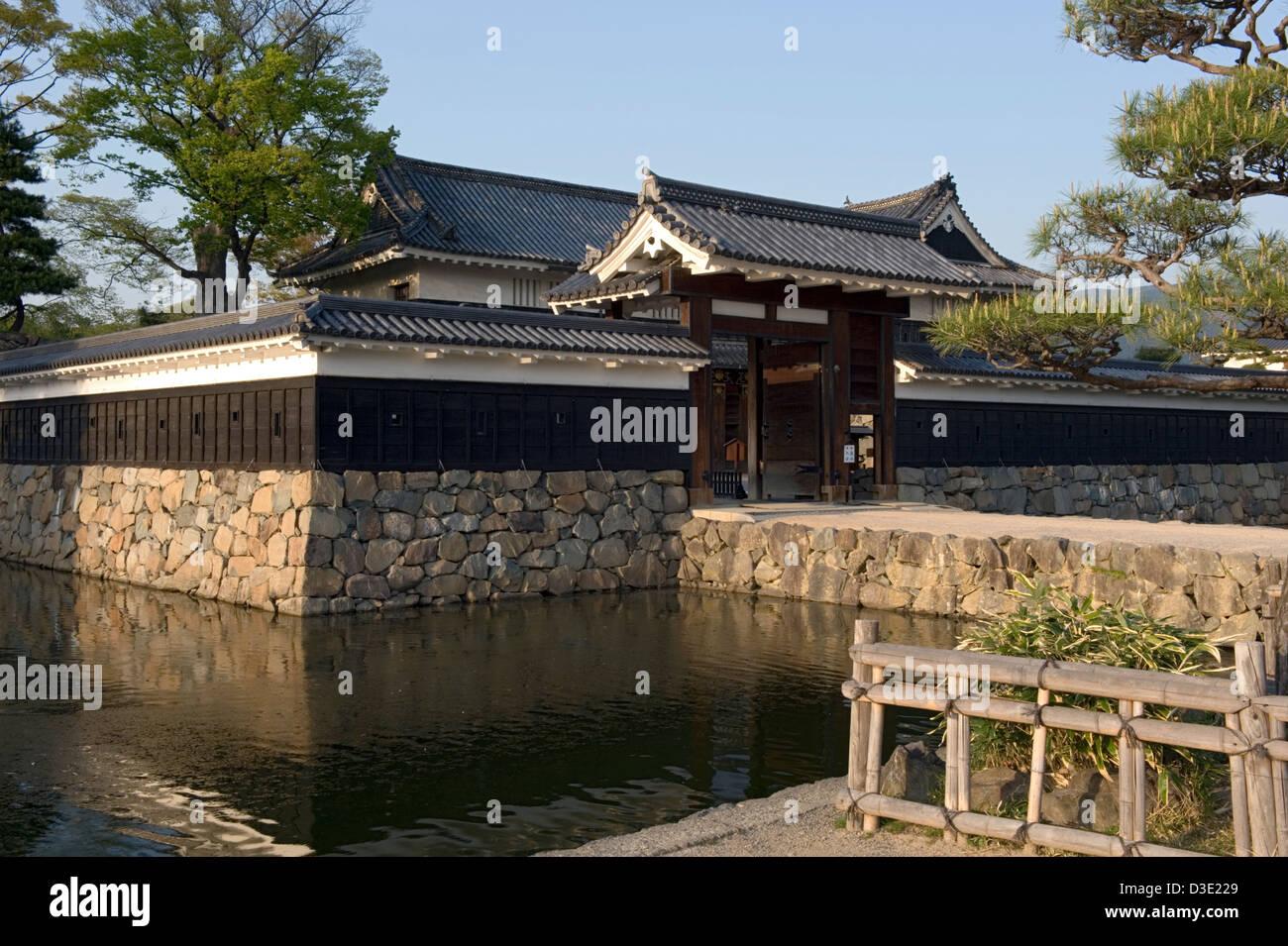 Kuromon, Black Gate, at Matsumoto Castle, also Crow Castle, a National Treasure of Japan built by Shimadachi Sadanaga. - Stock Image