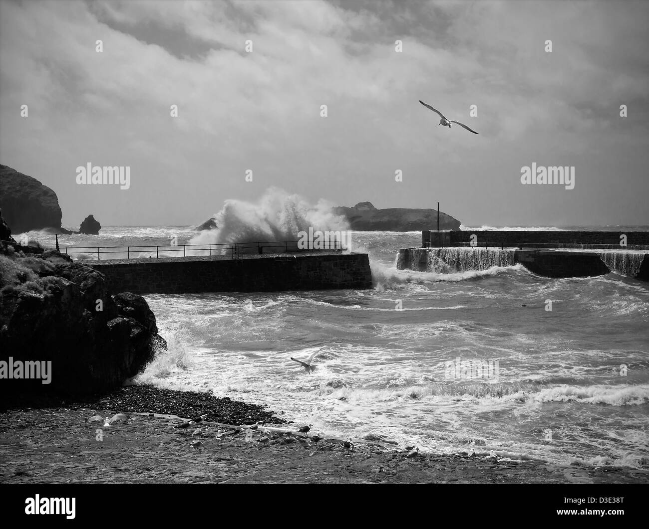 Stormy sea at Mullion Harbour Cornwall England. - Stock Image