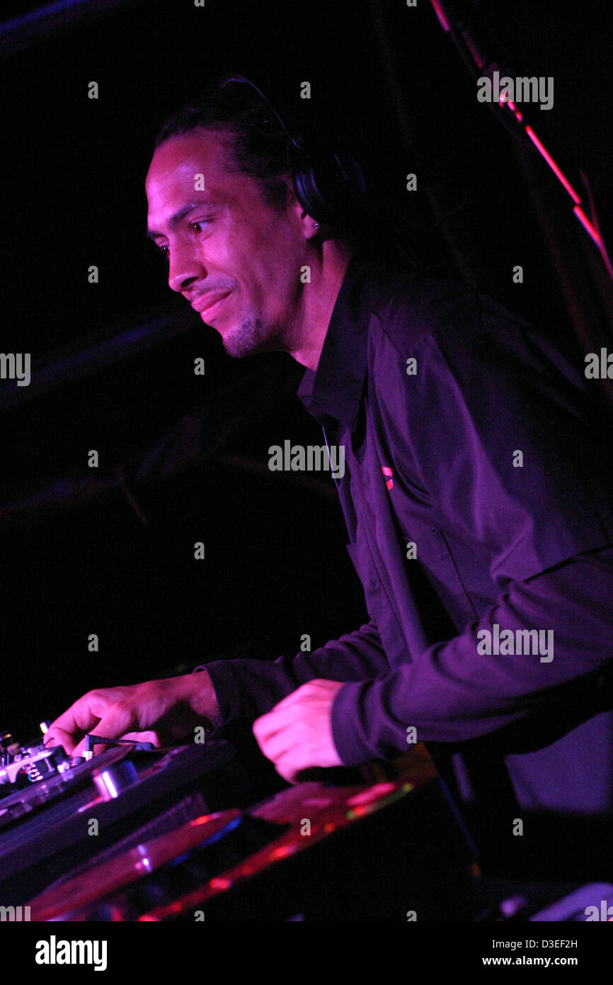 Roni Size DJing for Drive By at Ashton Court Festival - Stock Image