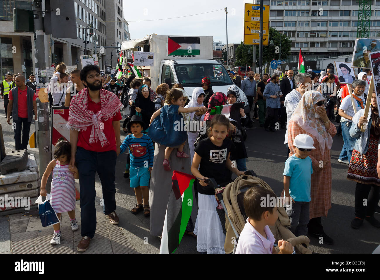 Al-Quds Day. Demonstrations against Israel, and its control of Jerusalem. Solidarity with the Palestinian people - Stock Image
