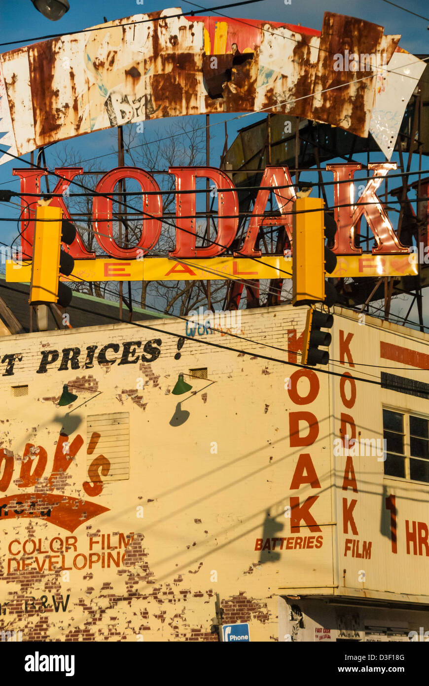 Colorful urban Atlanta scene is a reminder of days gone by. Atlanta ...