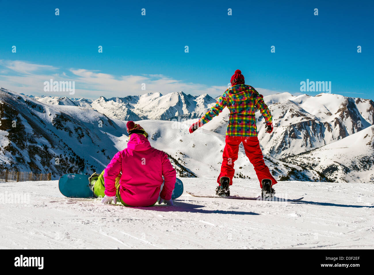 Young snowboarders on El Tarter ski slopes, Grandvalira, Pyrenees, Andorra - Stock Image