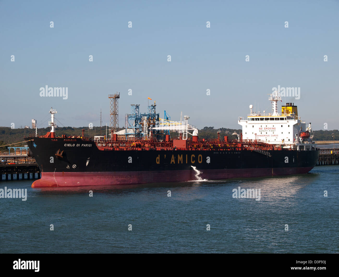 Oil tanker Cielo Di Parigi berthed at the Esso Fawley oil refinery Hampshire England UK - Stock Image