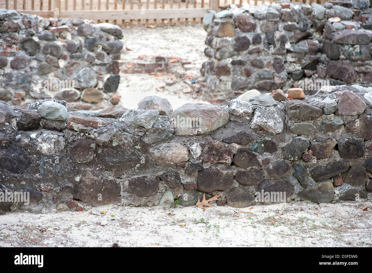 Sailing ship ballast stones used as foundation for American Pre-Revolutionary war structures in Brunswick Town, - Stock Image