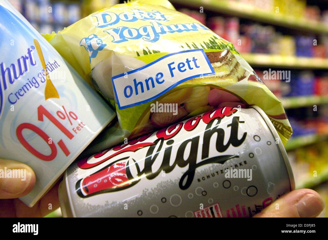 (dpa) - Packaged groceries are being presented in a supermarket in Frankfurt Main, Germany, 16 July 2003. Consumer Stock Photo