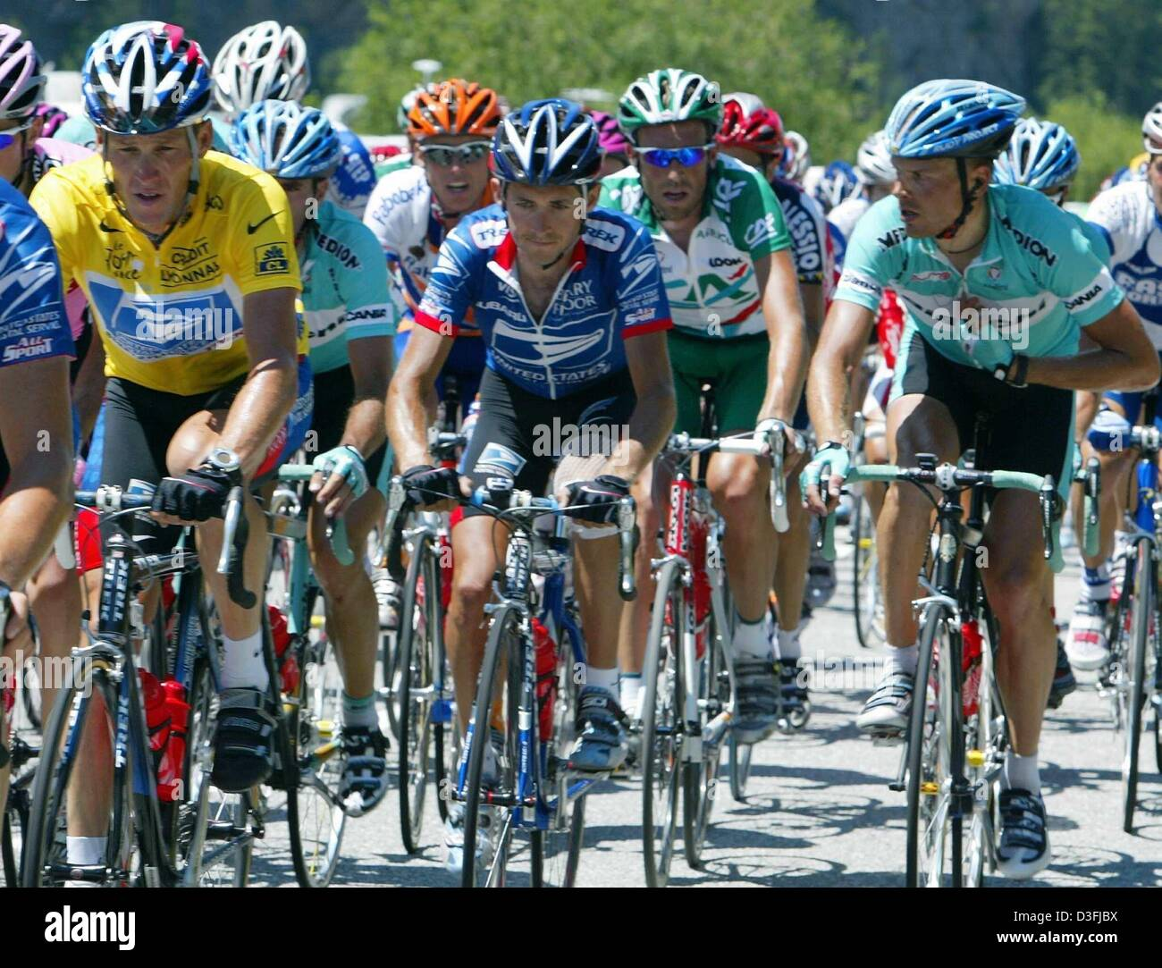 (dpa) - German cyclist and and Olympic winner Jan Ullrich (Team Bianchi) 78d9d3ffd