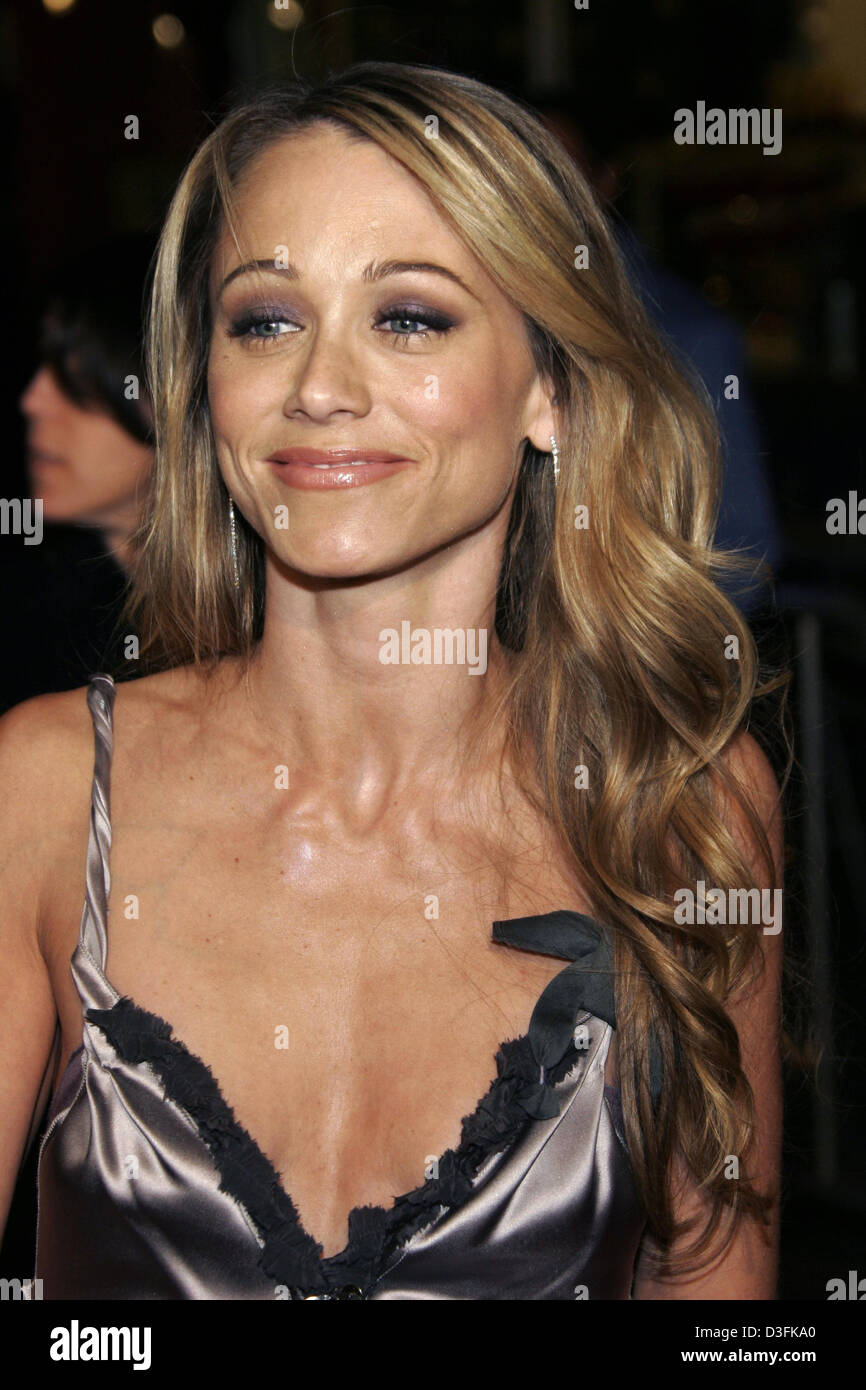 (dpa) - Actress Christine Taylor poses prior to the 'Meet the Fockers' premiere in Los Angeles, USA, 16 - Stock Image