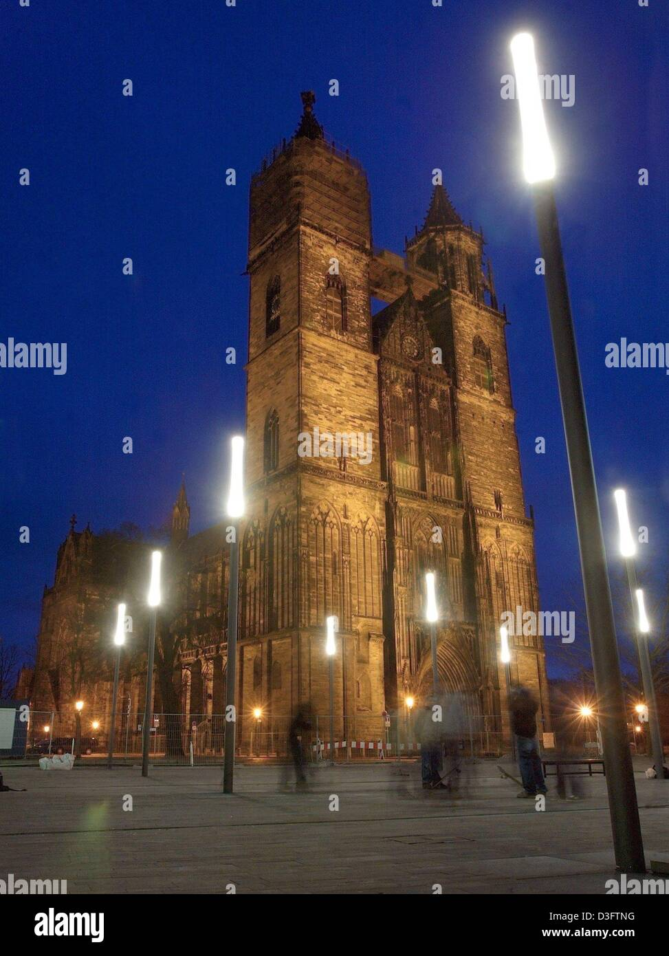 (dpa) - The Saint Mauritius and Saint Katharina Cathedral in Magdeburg, Germany, is lit up at night, 4 February Stock Photo
