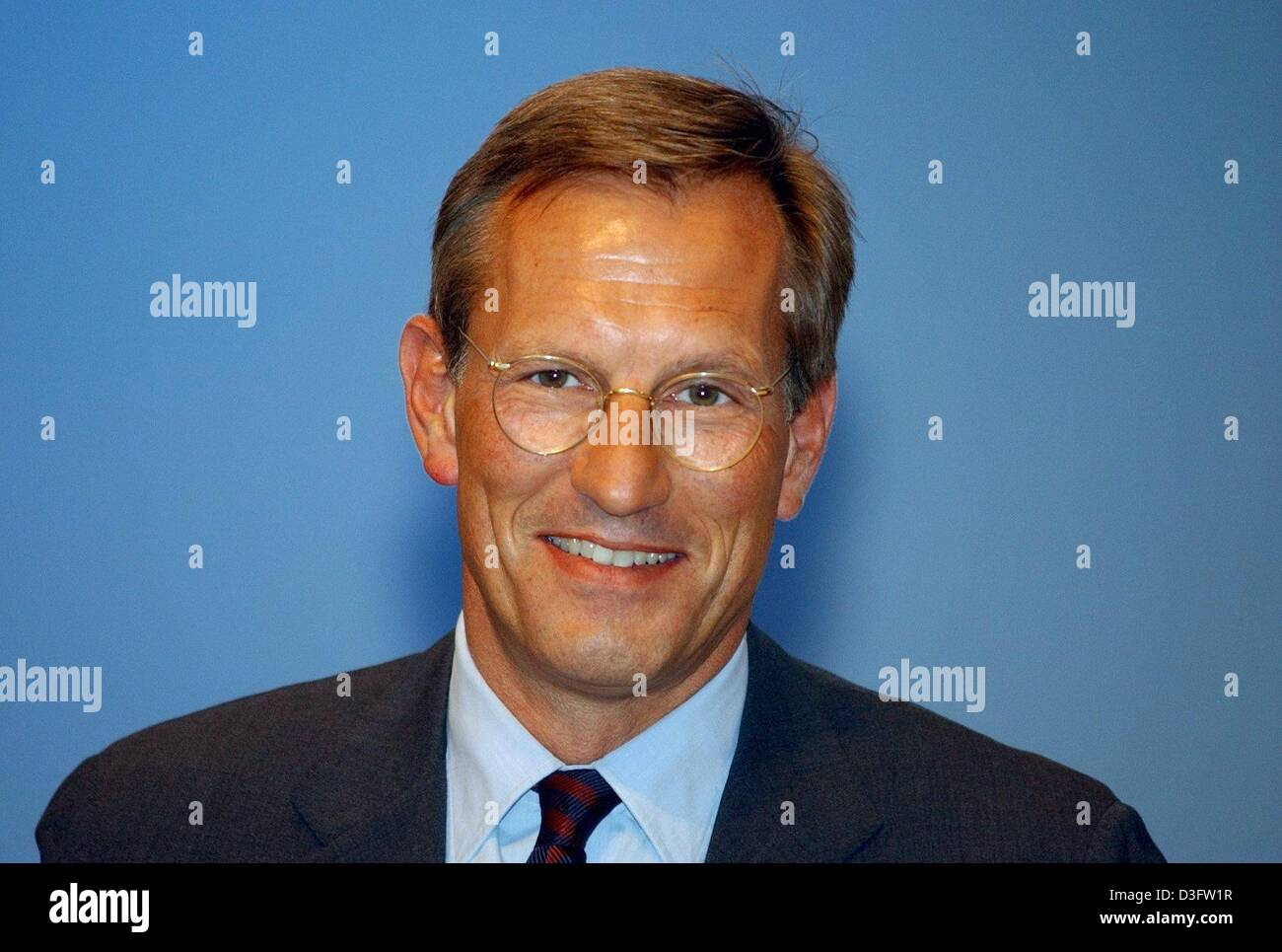 (dpa) - Michael Diekmann, new CEO of the financial services and insurance group Allianz AG, pictured during the general meeting of the Allianz group in Munich, 28 April 2003. Writedowns in the value of Allianz's vast stock portfolios hit the German-based insurance group in the first quarter of this year, and shareholders were warned to expect a third straight quarter of losses. Stock Photo