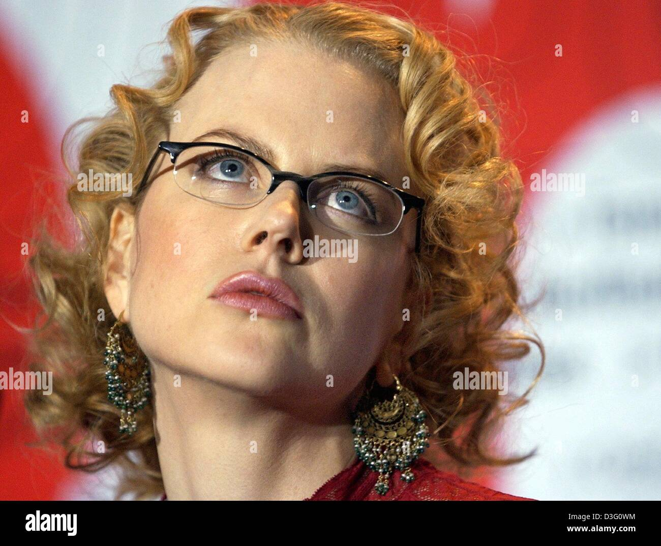 (dpa) - Australian actress Nicole Kidman looks dreamily during the presentation of her latest movie, 'The Hours', - Stock Image