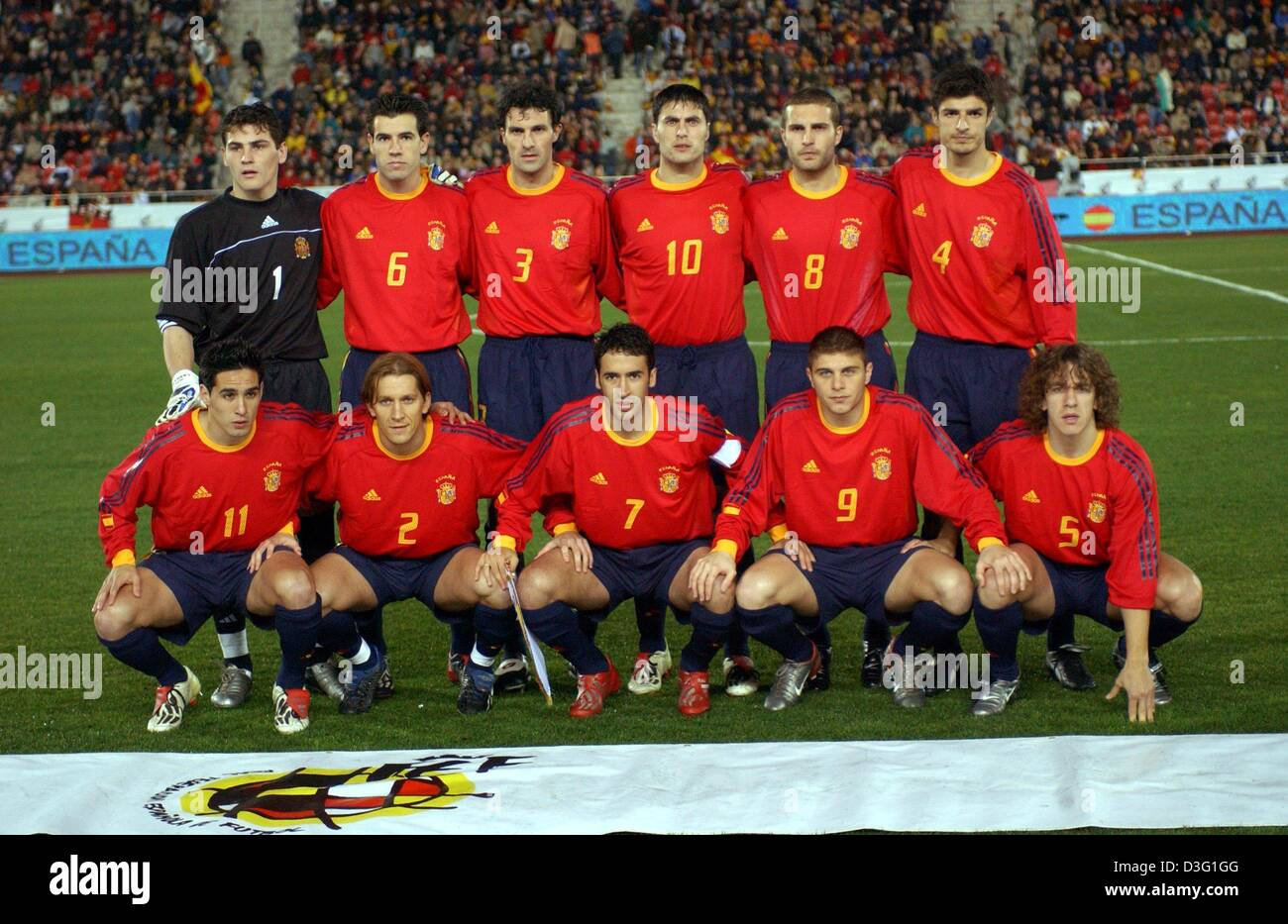(dpa) - The Spanish national soccer team poses for the camera on the pitch before the international game Spain against - Stock Image