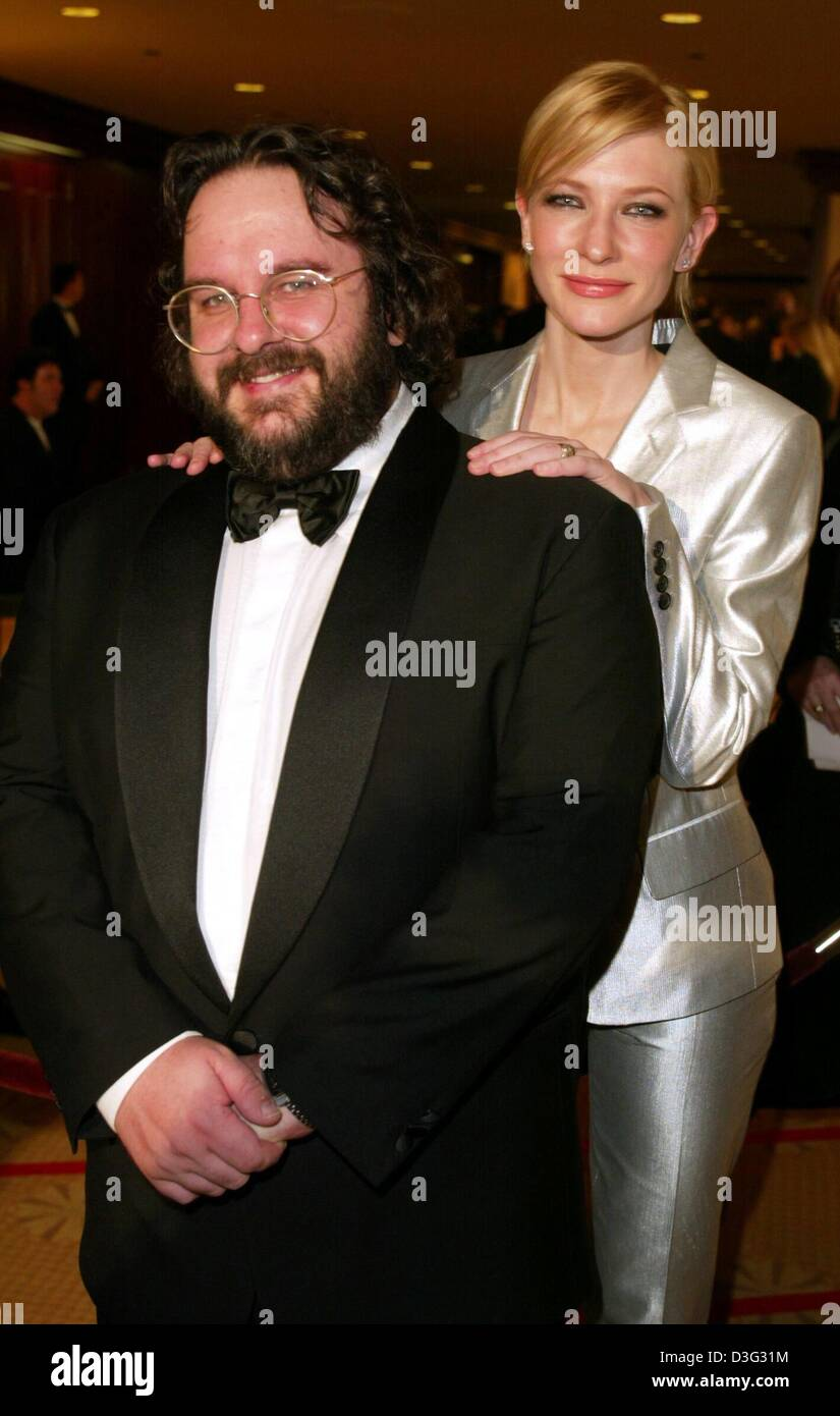 f561fcd219d1 (dpa) - Film director Peter Jackson from New Zealand and actress Cate  Blanchett ('The Lord of the Rings: The Two Towers'), one of the presenters  of the DGA ...