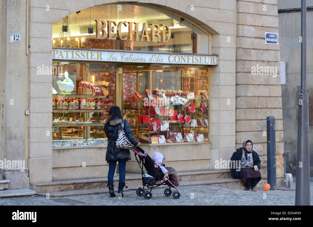 Romanian Woman Gypsy Beggar Outside Patisserie Cours Mirabeau Aix-en-Provence Provence France - Stock Image