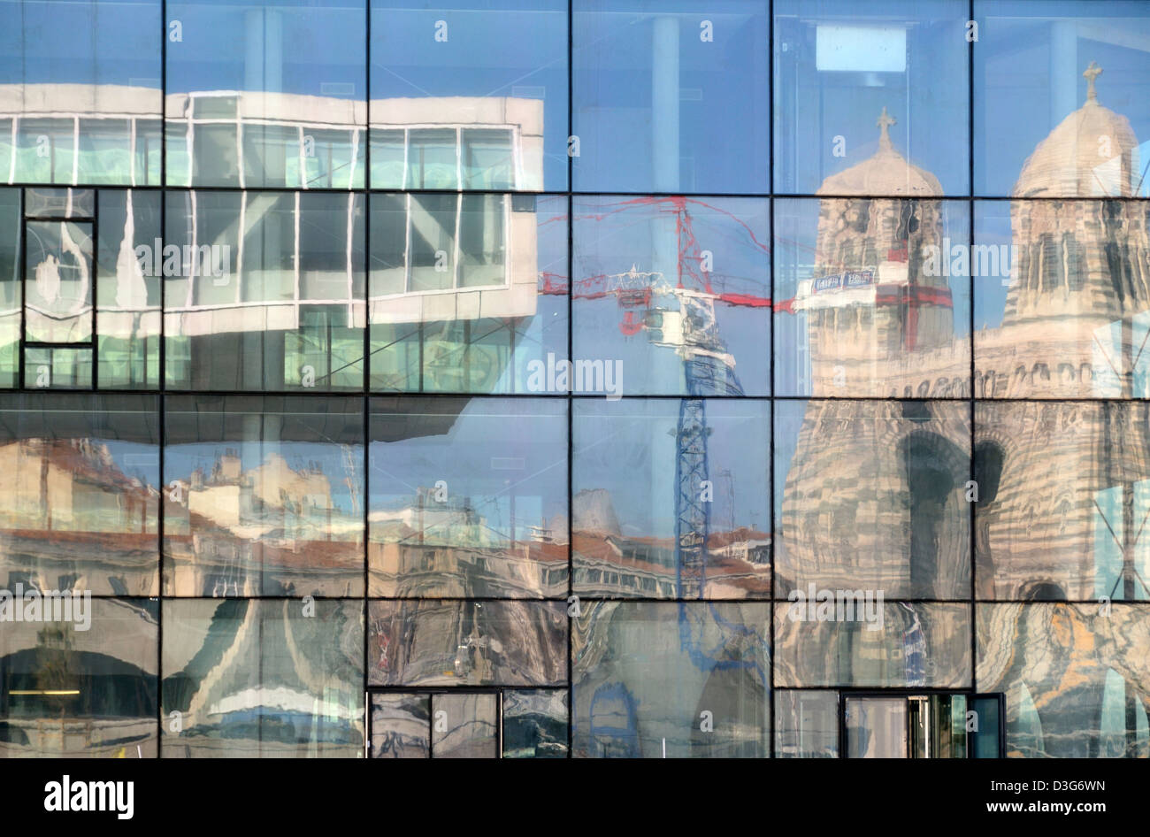 City Reflections of the Villa Mediterranée & Marseille Cathedral in the Mirror Glass of the MUCEM Museum - Stock Image