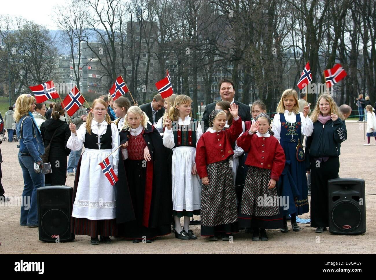 human interest hum people norwegian flags children kids