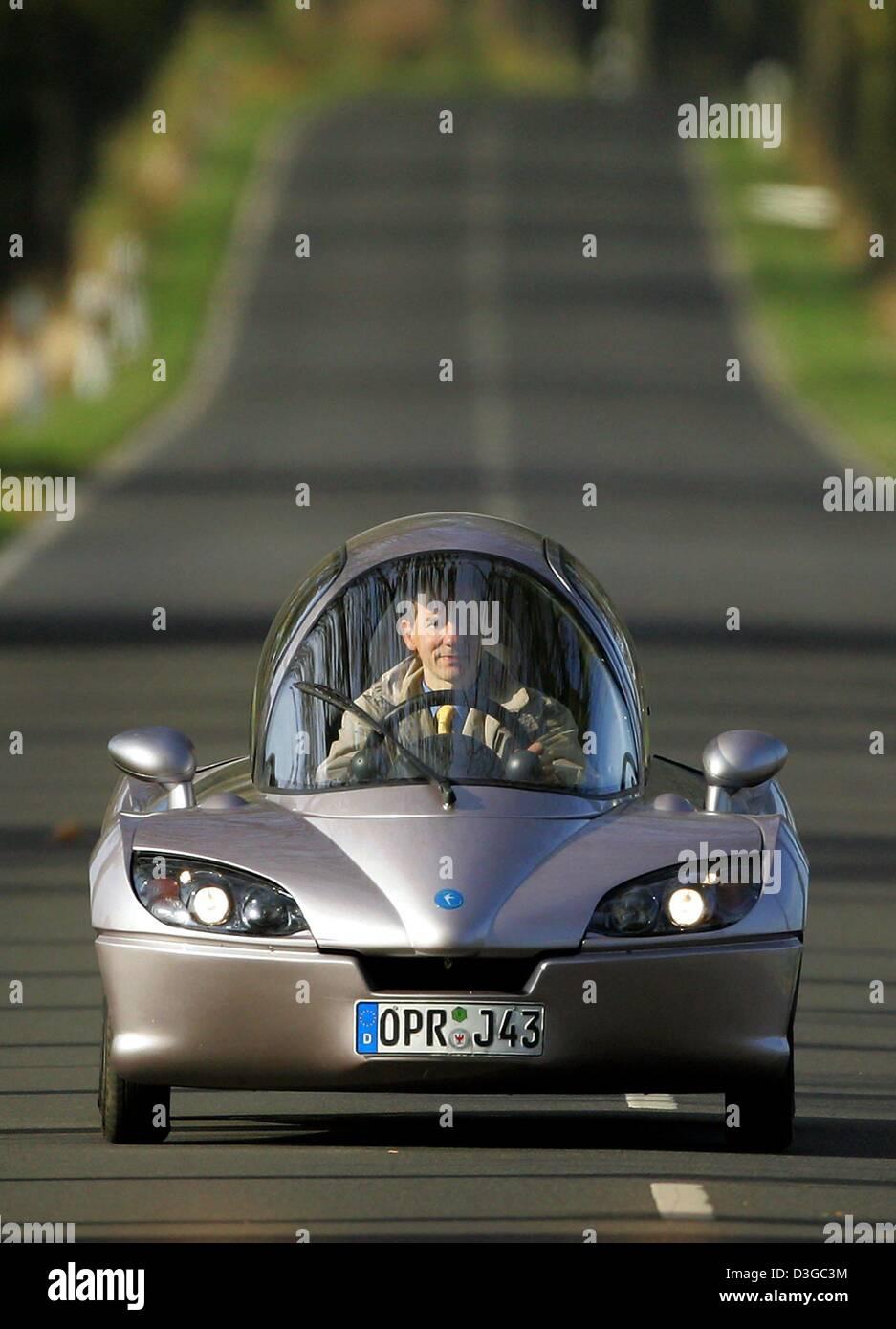 (dpa) - The manager of the Jetcar Zukunftsfahrzeug (Futurecar) GmbH, Christian Wenger-Rosenau, drives the prototype - Stock Image