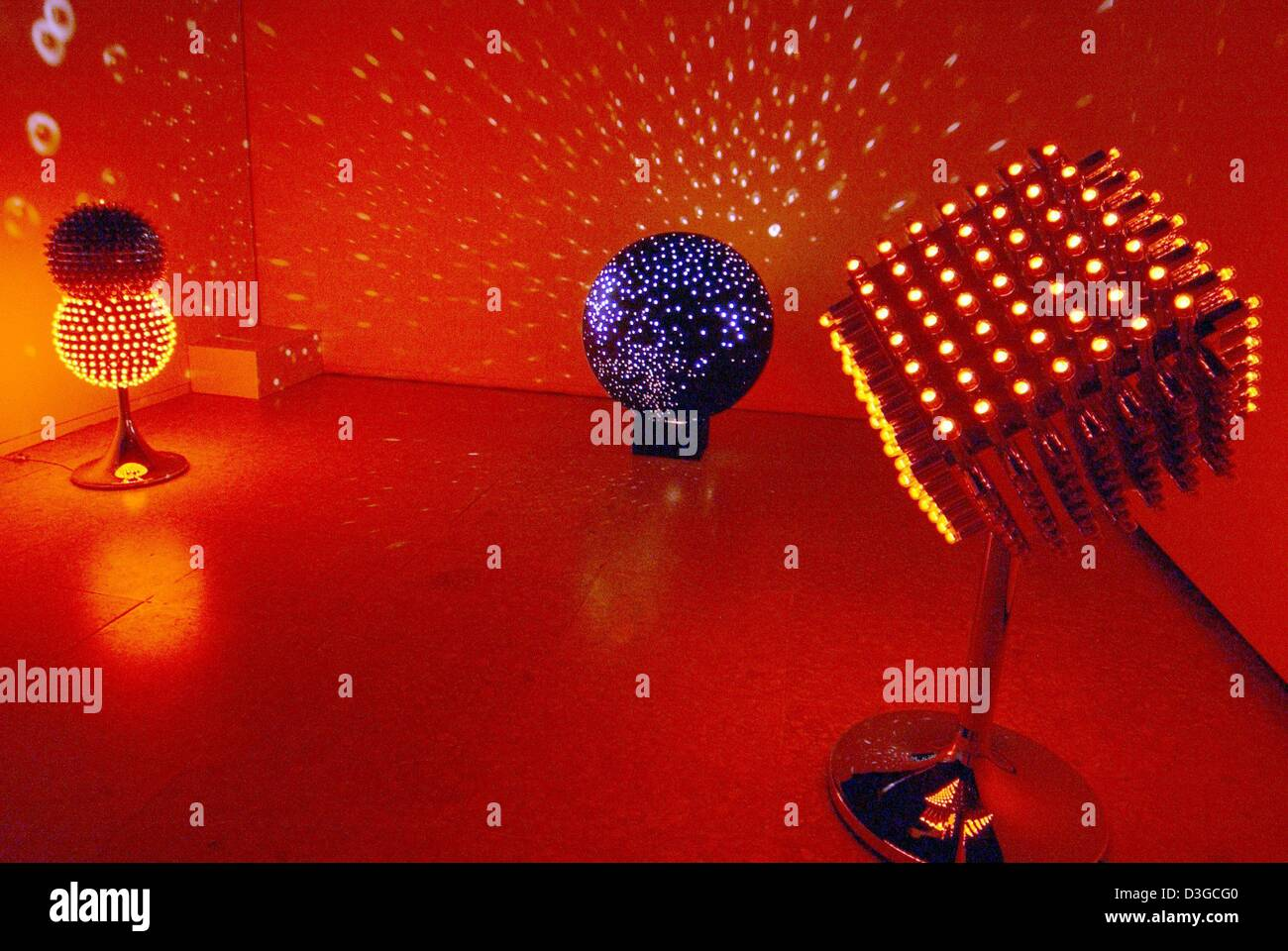 (dpa) - A view into a light room, on display during the 'Lichtkunst' (light art) exhibition at the Wilhelm - Stock Image