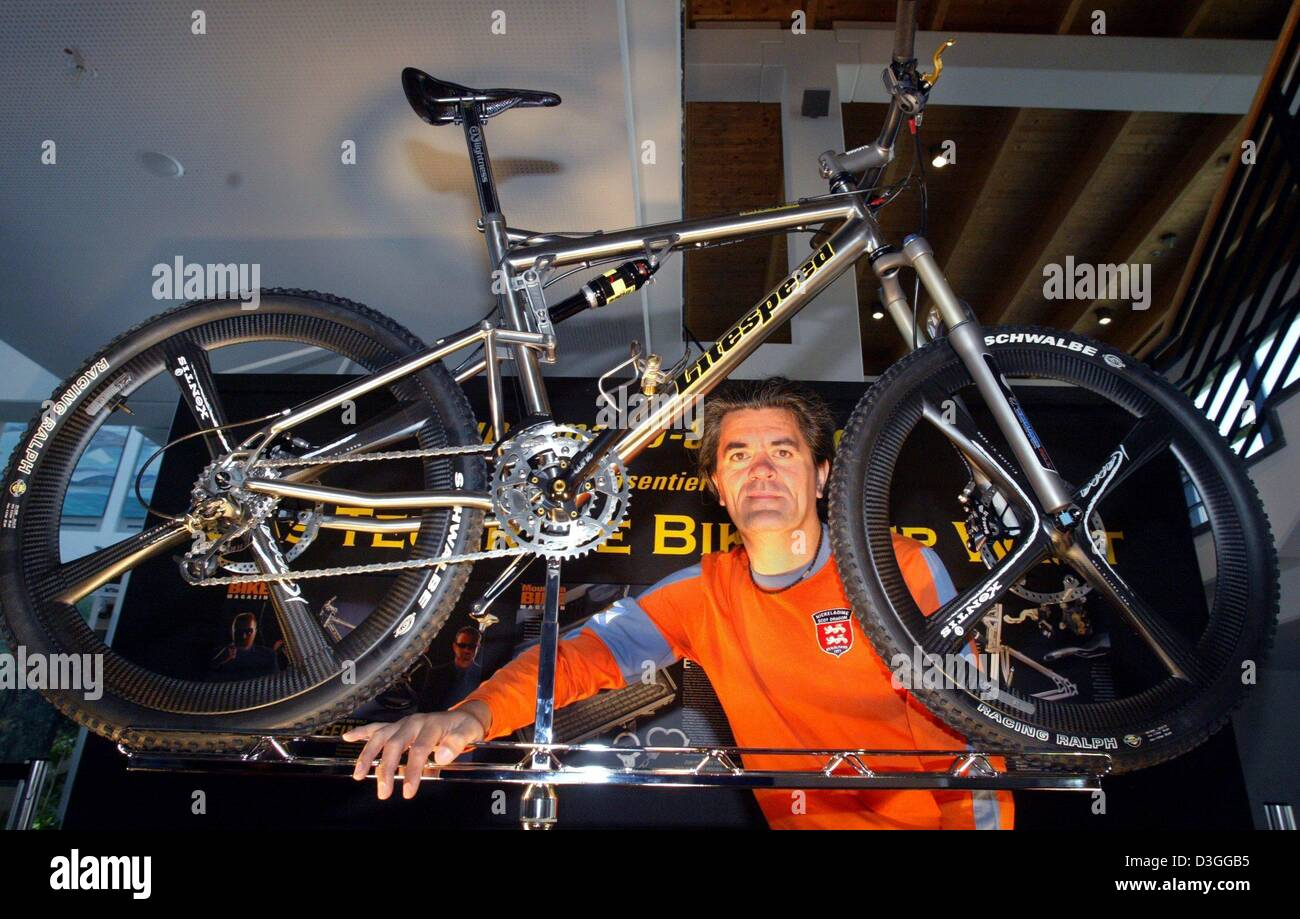 Most Expensive Mountain Bike >> Mario Lillack Stands Next To The World S Most Expensive Mountain