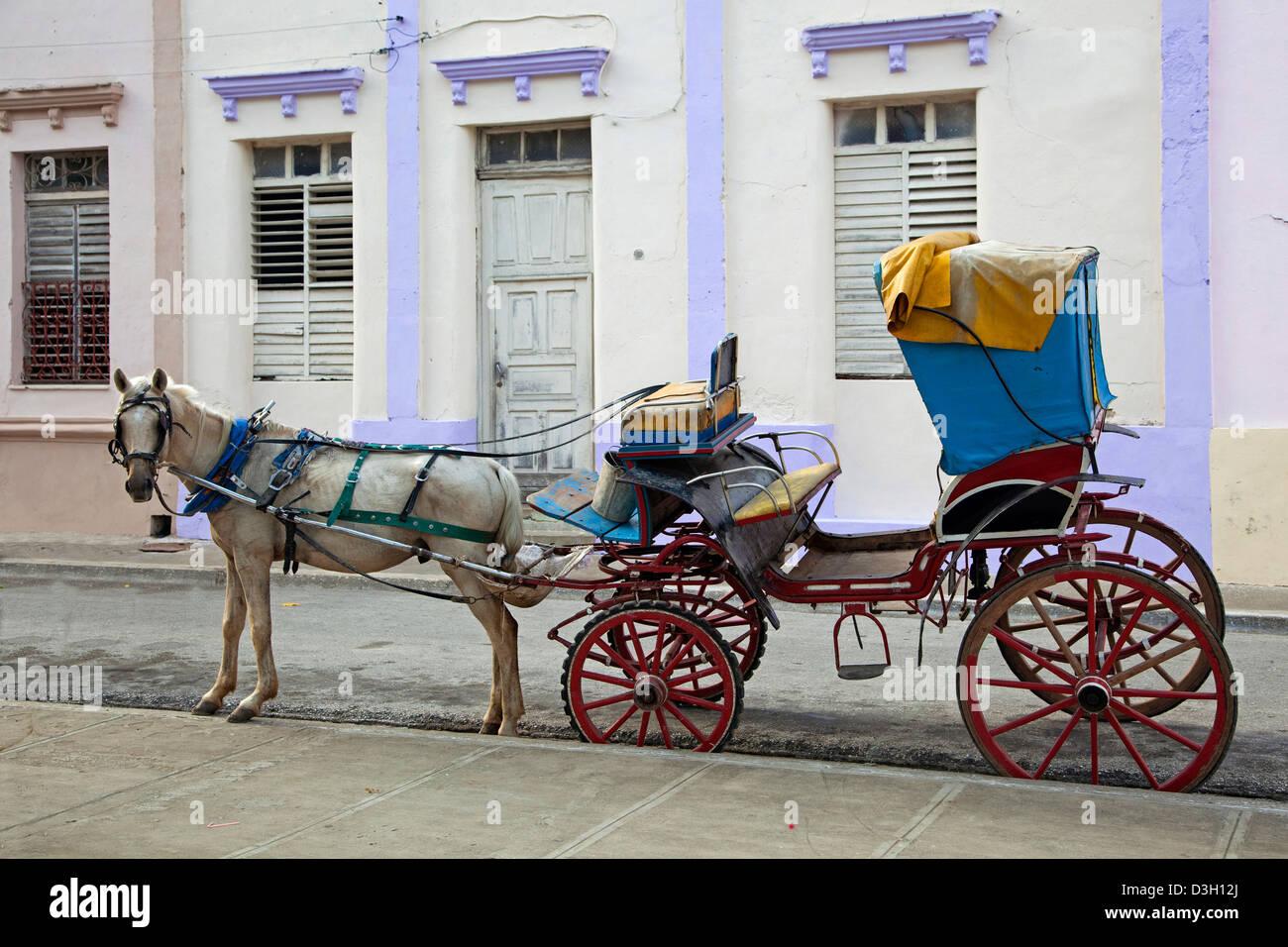 Horse and carriage in Bayamo, Granma, Cuba, Caribbean - Stock Image