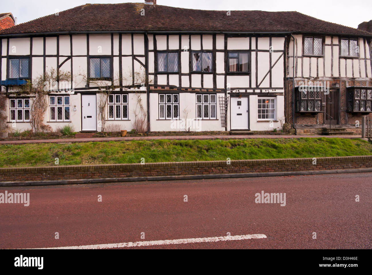 Period Tudor Houses in Robertsbridge East Sussex UK - Stock Image