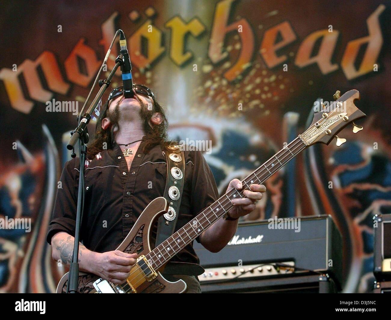 dpa) - Lemmy Kilmister, singer of the English heavy metal