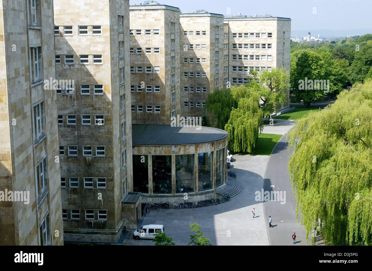 (dpa) - A view of the  so-called Poelzig building on the Westend campus of Frankfurt University in Frankfurt, Germany, Stock Photo